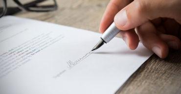 tradução de contratos