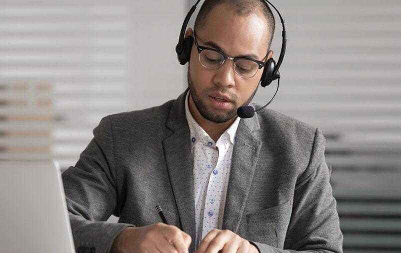 contratar um tradutor juramentado