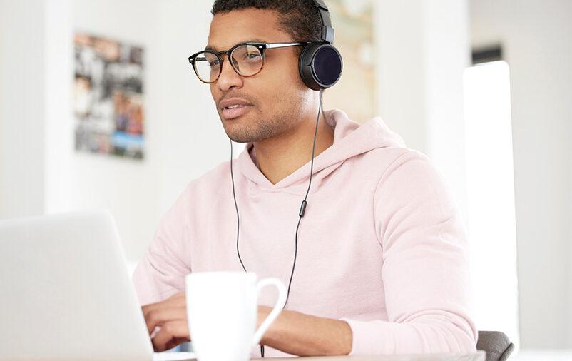 Profissional conhece a marca da oralidade na Transcrição de Áudio